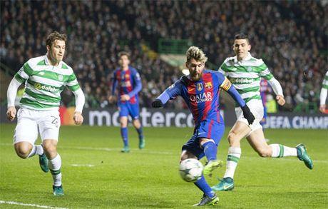 Messi lap cu dup, Barca gianh ve di tiep tai Champions League - Anh 2