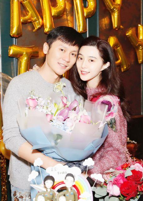 Pham Bang Bang gian di moc mac mung sinh nhat ban trai Ly Than - Anh 3
