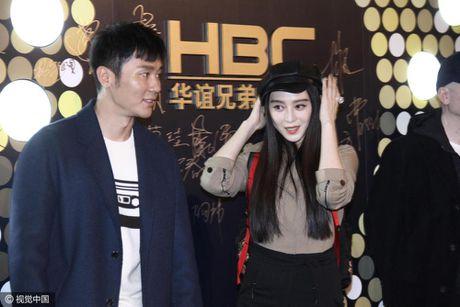Pham Bang Bang gian di moc mac mung sinh nhat ban trai Ly Than - Anh 5