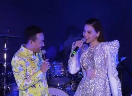 'Toi thay Ho Ngoc Ha tam, khoa than, ngu chung giuong nhung khong lam gi' - Anh 4