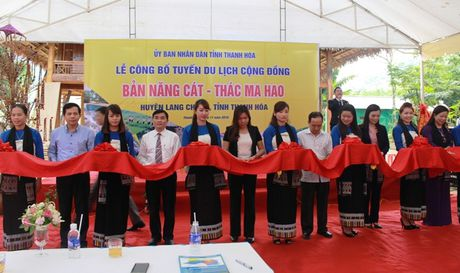 Thanh Hoa cong bo tuyen du lich cong dong ban Nang Cat – thac Ma Hao - Anh 1