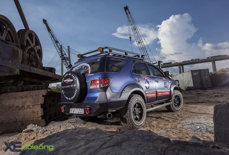 Toyota Fortuner do hoanh trang nhat Viet Nam - Anh 9