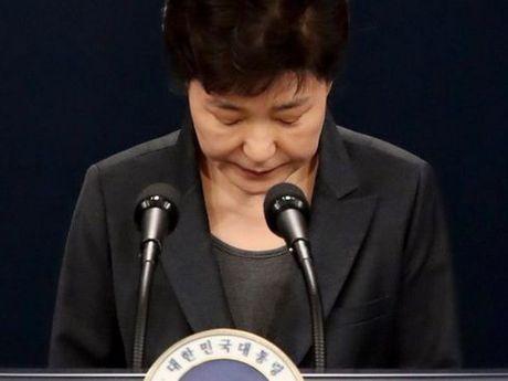 Noi bo Dang cam quyen cua ba Park Geun-hye chia re vi be boi - Anh 1