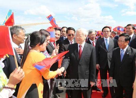 Tong bi thu Nguyen Phu Trong tham huu nghi Lao - Anh 1