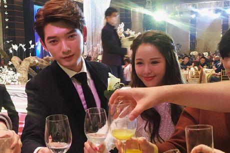 Dam cuoi hot girl Trung Quoc hut 30 trieu nguoi theo doi - Anh 3