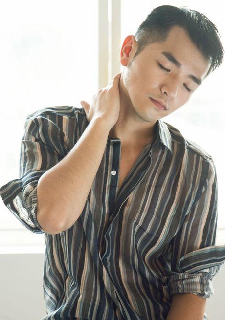 Pham Hong Phuoc 'lot xac' voi hinh anh phong tran, nam tinh - Anh 2