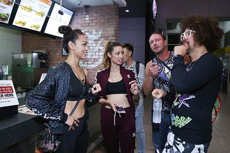 Lilly Nguyen, Mai Ngo ra san bay don 'ong hoang party rock' Redfoo - Anh 8