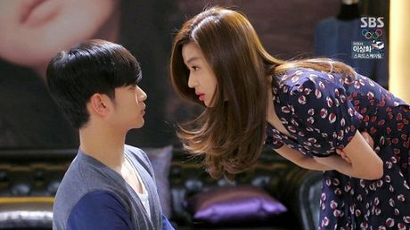 Danh sach 'nguoi tinh man anh' cua Jun Ji Hyun: Tre thi cach ca chuc tuoi, gia thi toan ky cuu - Anh 14