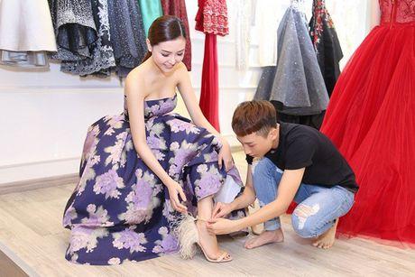 Ngoc Duyen se dien vay xuyen thau tham du Victoria's Secret Fashion Show - Anh 1