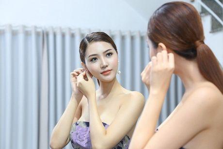 Ngoc Duyen se dien vay xuyen thau tham du Victoria's Secret Fashion Show - Anh 4