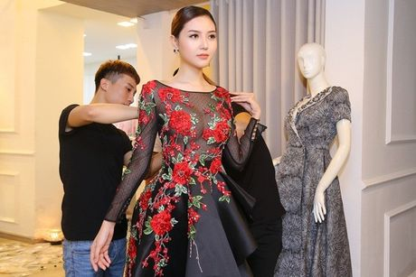 Ngoc Duyen se dien vay xuyen thau tham du Victoria's Secret Fashion Show - Anh 5