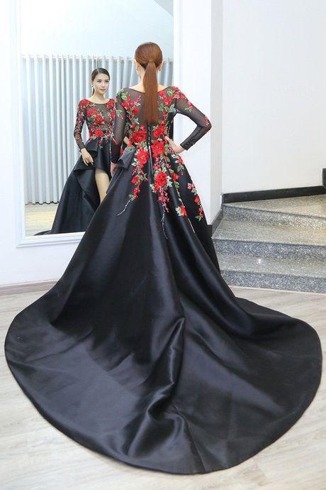 Ngoc Duyen se dien vay xuyen thau tham du Victoria's Secret Fashion Show - Anh 6