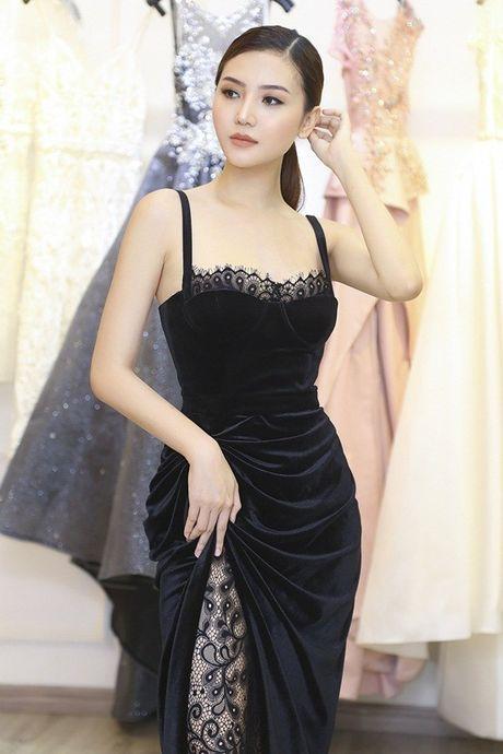 Ngoc Duyen se dien vay xuyen thau tham du Victoria's Secret Fashion Show - Anh 8
