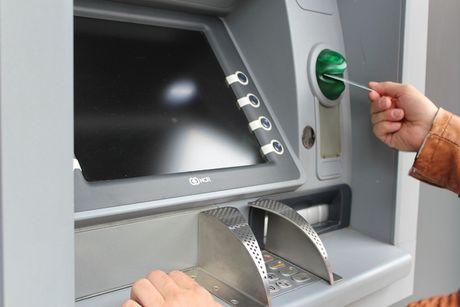 Phan mem doc hai khien ATM tu dong 'nha' tien - Anh 2