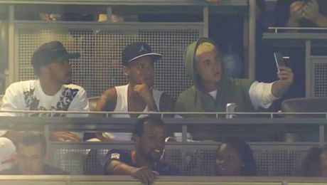 Justin Bieber so tai voi Neymar - Anh 3