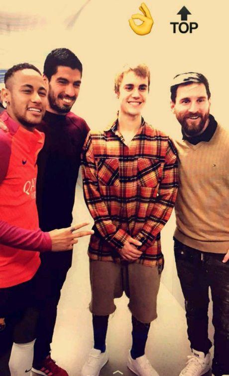 Justin Bieber so tai voi Neymar - Anh 5