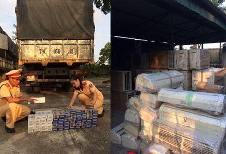 CSGT Thanh Hoa bat giu 950 bao thuoc la lau - Anh 3