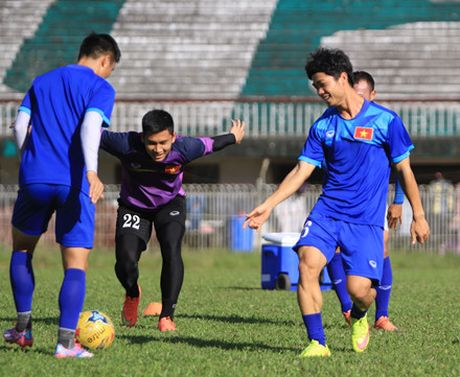 Cong Phuong - tu ngoi sao trieu nguoi me den noi buon bi 'nem da' - Anh 3