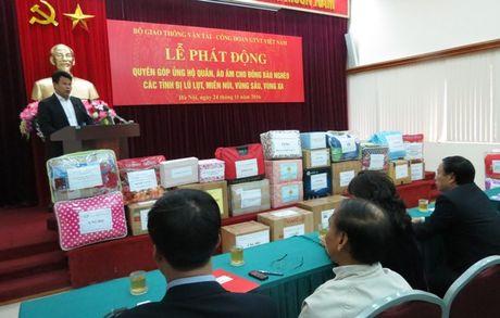CD Giao thong Van tai VN: Phat dong quyen gop ung ho dong bao vung kho kha - Anh 2