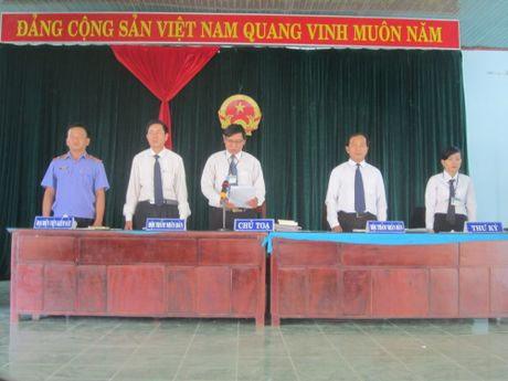 Phat gan 100 trieu dong doi voi nam bi cao tham gia tro choi ban ca - Anh 1