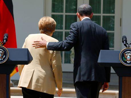 Tong thong Obama va Thu tuong Merkel: Tinh ban con mai - Anh 8