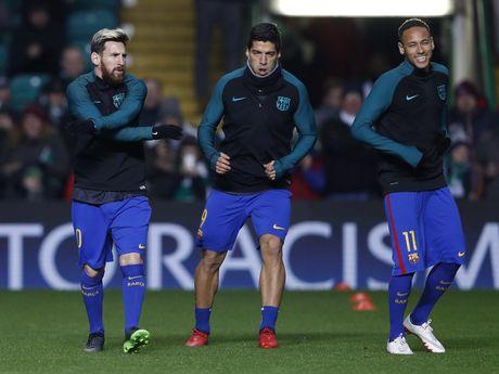 Messi lap cu dup dua Barca vao vong knock-out - Anh 1