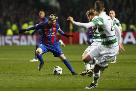 Messi lap cu dup dua Barca vao vong knock-out - Anh 2