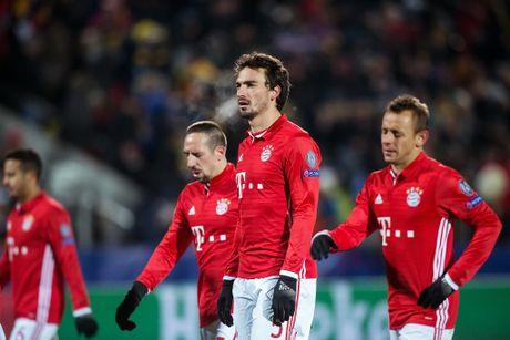 Guc nga truoc doi bong yeu, Bayern chap nhan ngoi nhi bang - Anh 14