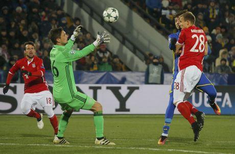 Guc nga truoc doi bong yeu, Bayern chap nhan ngoi nhi bang - Anh 2