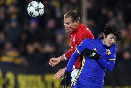 Guc nga truoc doi bong yeu, Bayern chap nhan ngoi nhi bang - Anh 3