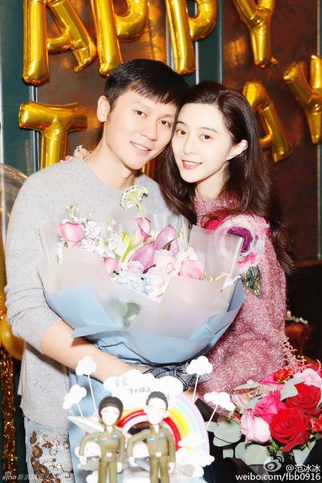 Pham Bang Bang to chuc sinh nhat cho Ly Than - Anh 1