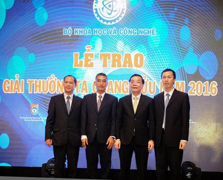 To chuc giai thuong Ta Quang Buu nam 2017; Bien rac thai nhua thanh nam an - Anh 1