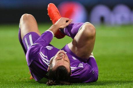 Zidane nghe tin du, Bale lo dai chien Barca - Anh 1