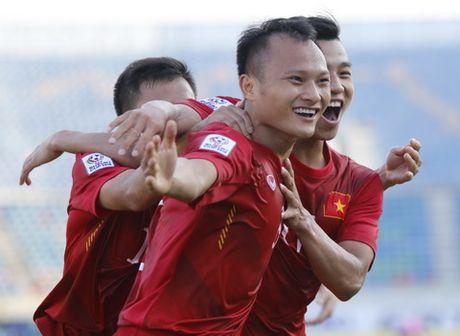 HLV Le Thuy Hai khen Trong Hoang, che Cong Phuong qua yeu - Anh 2