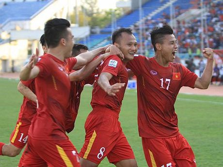 Nhin lai luot 2 vong bang AFF Cup: Viet Nam va Thai Lan chi co the gap nhau o chung ket - Anh 1