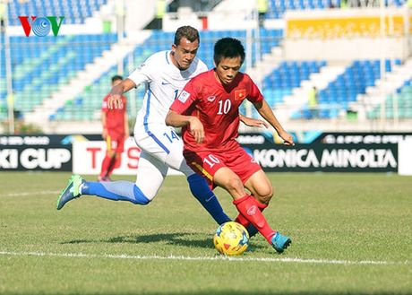 DT Viet Nam vao ban ket AFF Cup: Lay lai niem tin tu nguoi ham mo - Anh 1