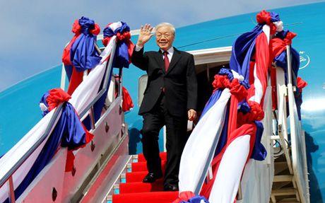 Tong Bi thu Nguyen Phu Trong bat dau chuyen tham CHDCND Lao - Anh 1