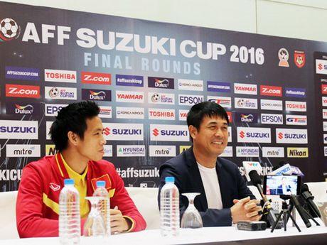 HLV Huu Thang va Van Quyet canh giac truoc 'Messi Campuchia' - Anh 1