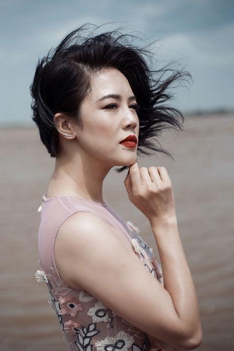 Thu Phuong ca tinh dien canh tinh tu voi trai tre - Anh 3