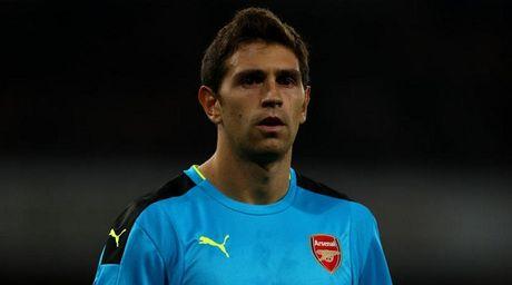 Chinh thuc: Them mot cau thu gia han voi Arsenal - Anh 1