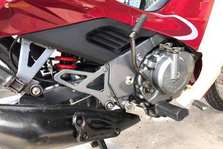 Suzuki RGV 120 doi cu dat ngang 'xe hop' tai Sai Gon - Anh 10
