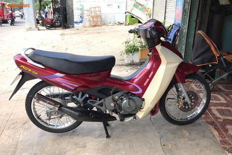 Suzuki RGV 120 doi cu dat ngang 'xe hop' tai Sai Gon - Anh 2