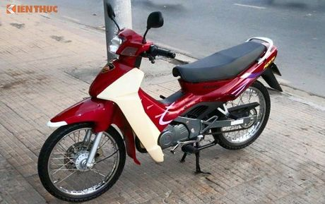 Suzuki RGV 120 doi cu dat ngang 'xe hop' tai Sai Gon - Anh 4