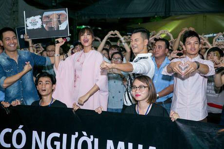 Pham Huong, Phan Anh cuong nhiet nhay flashmob cung khan gia - Anh 12