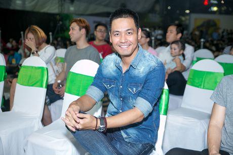 Pham Huong, Phan Anh cuong nhiet nhay flashmob cung khan gia - Anh 3