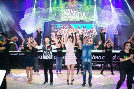 Pham Huong, Phan Anh cuong nhiet nhay flashmob cung khan gia - Anh 7
