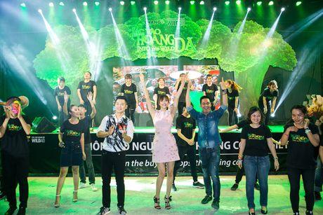 Pham Huong, Phan Anh cuong nhiet nhay flashmob cung khan gia - Anh 9