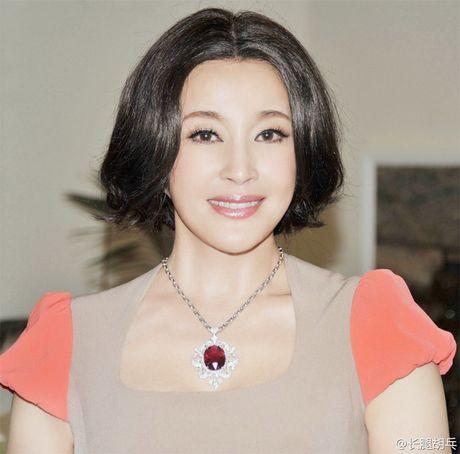 Luu Hieu Khanh bien hoa khon luong khi xap xe luc tre trung - Anh 5