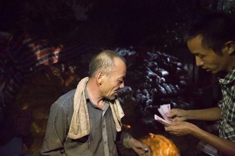 Lao nong bat ngo ban het 32 tan khoai tay 'e' trong 1 dem - Anh 5