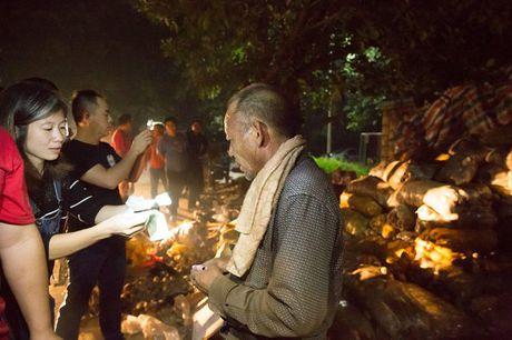 Lao nong bat ngo ban het 32 tan khoai tay 'e' trong 1 dem - Anh 9